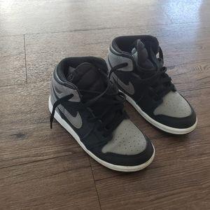 Air Jordans 1s size 10c